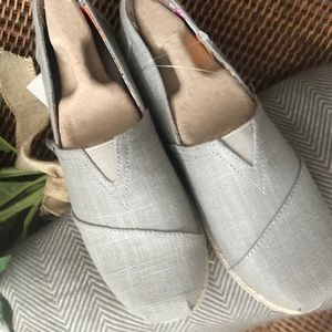 Bobs from sketchers. NWT beige size 6-1/2.